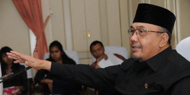Menpan Azwar Abu Bakar
